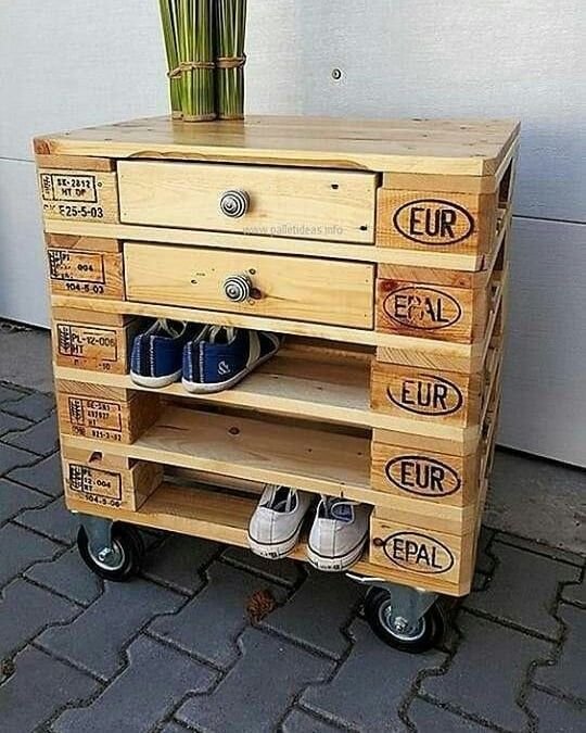 Pallet storage drawer
