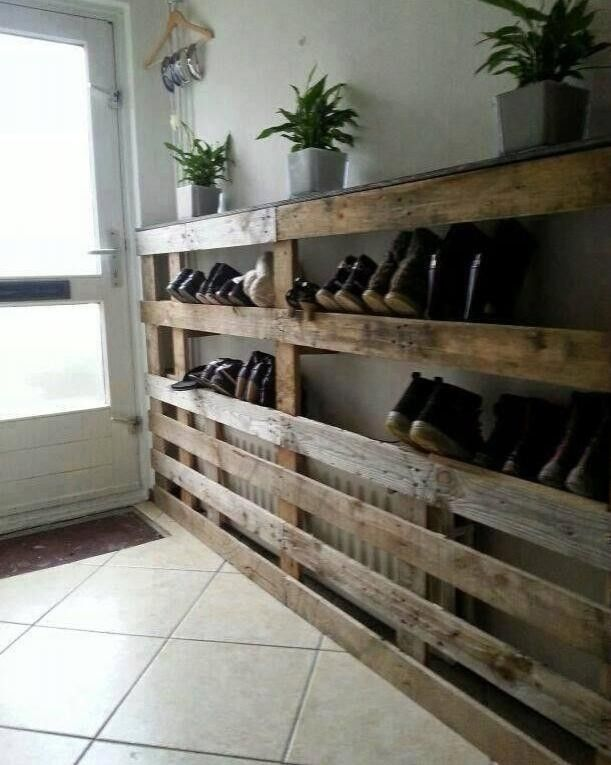 Pallet shoes rack with planter