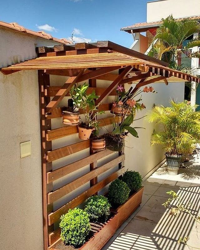Pallet outdoor planter