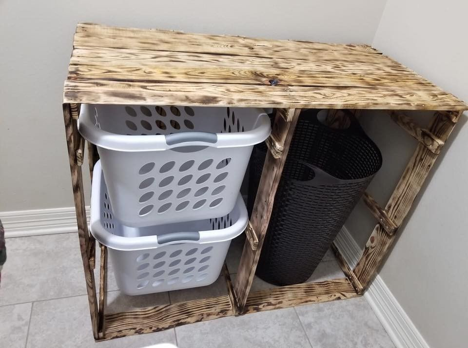 Pallet table with basket placement