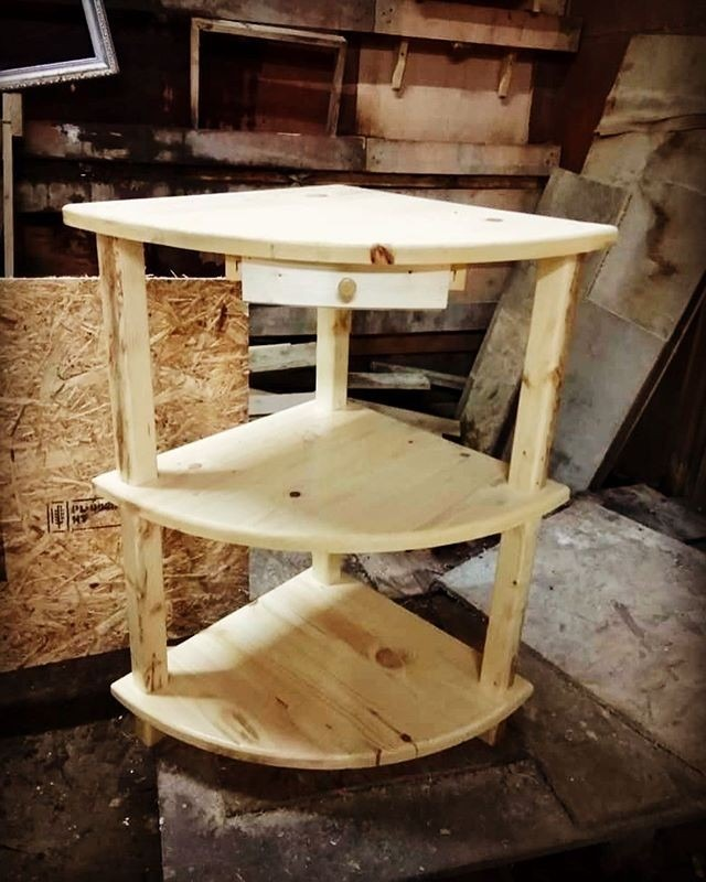 Pallet stand projects
