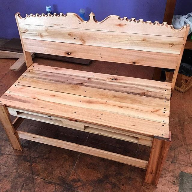 Pallet elegant bench projects