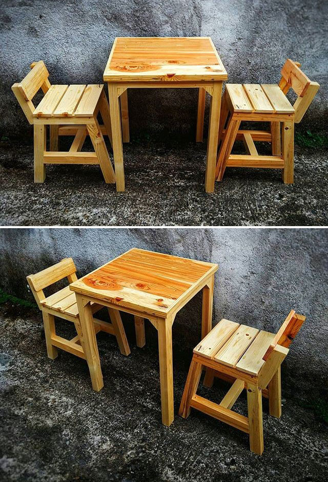 pallet small table with chairs
